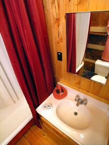Clawfoot tub with shower