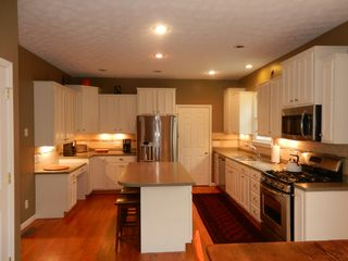 Massanutten house photo - Modern kitchen with all new appliances- great for families who love to cook!