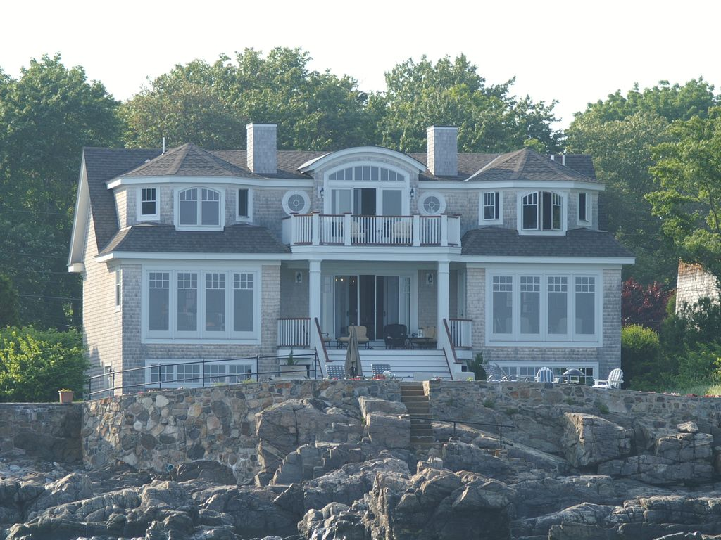 Stunning Bold Ocean Front Home August 8 To Vrbo