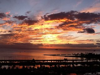 Waikiki condo photo - The sunset from our lanai- Same week as the other one.