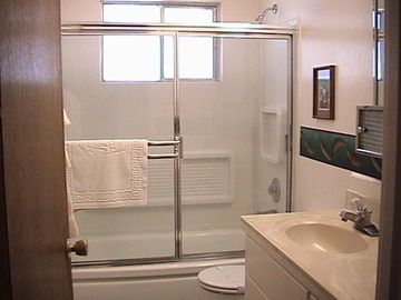 Bathroom w/Bathtub-Shower