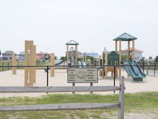 Ocean Isle Beach condo photo - Play area at center of island