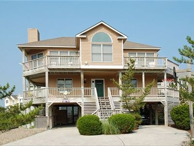 Beautiful Beach House less than 500 ft to the beach in great neighborhood!