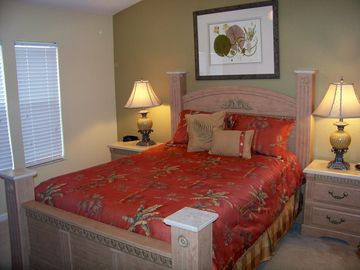 Upstairs Master bedroom with a queen bed and beautful new linens.