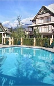 Largest pool/hottub in Whistler Village North, yours to enjoy all year round.