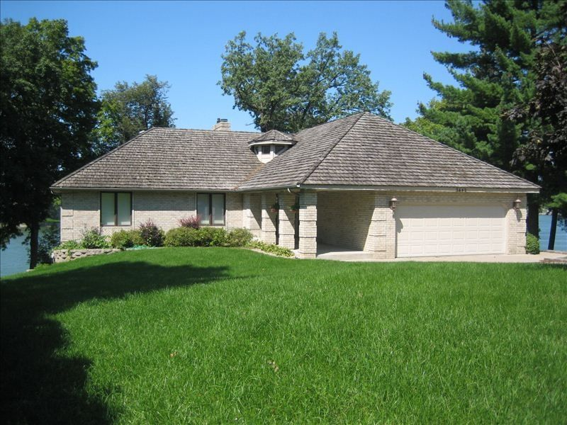 Experience Lake Living Fully Furnished 5 Br 3 Bath