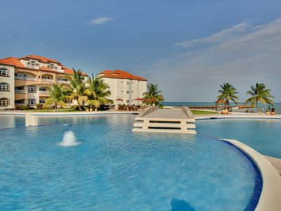 GRAND CARIBE, AMBERGRIS CAYE, LUXURY CONDO WITH CARIBBEAN VIEW!  (Sleeps 1-4)
