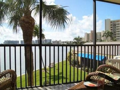 Vacation in Paradise! Great Views of Bay from your large lanai. Spectacular!
