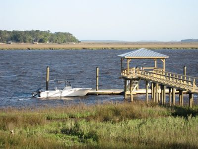 Bring your boat and dock at our private dock - Have fun fishing and crabbing