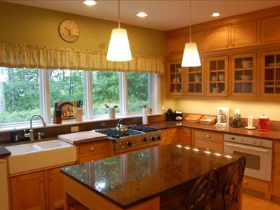 Large gourmet kitchen with gas burners and upscale applicances!