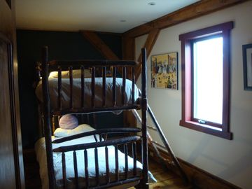 Bedroom #4 - bunk beds