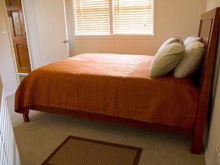 Queen Size Bed - Seattle house vacation rental photo