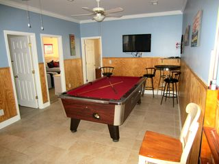 Ocean Drive Beach condo photo - Upstairs gameroom has pool table, electronic darts and 42' LCD TV/Bluray.