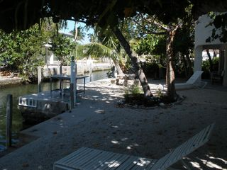 Islamorada house photo - Lovely shaded yard