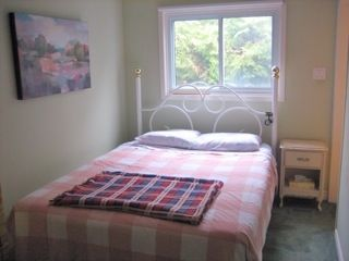 Newmarket bungalow rental - Second bedroom