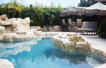 San Clemente house rental - Spectacular outdoor pool and Jacuzzi is your very private outdoor oasis