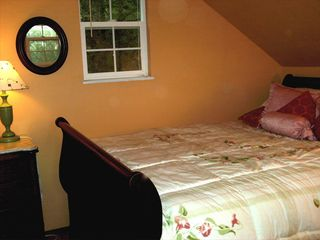Mendocino cottage photo - Comfy Bedroom