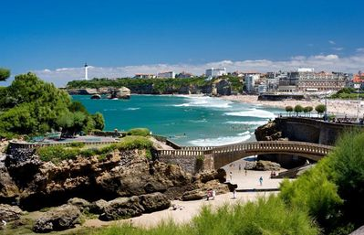 In Biarritz, 300 meters from the beach, family apartment with 3 bedrooms and Wi-Fi