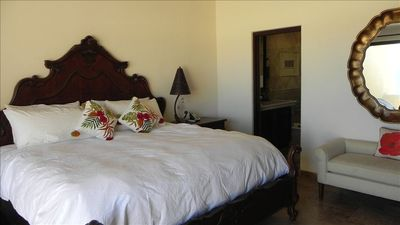 Master Suite, Clean, Classy and Comfortable w/ Ocean Front VIEWS!