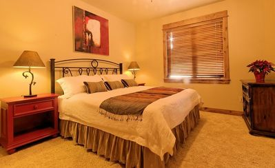 Big Sky chalet rental - lower apartment - master bedroom