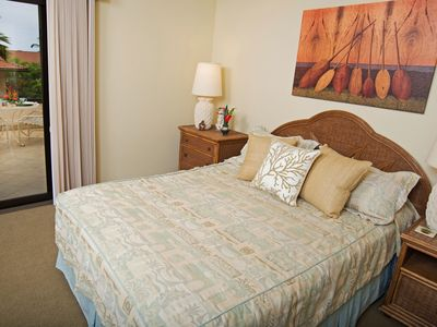 Relish direct lanai access from your queen bedroom.