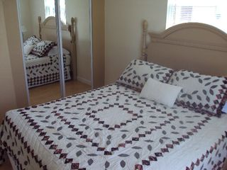 Mount Dora cottage photo - Flower Power (bedroom with King Bed and huge mirrored closet!)