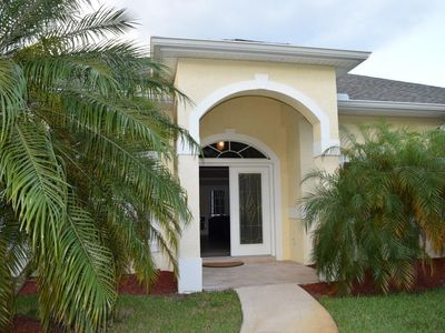 Live Large (Inexpensively!), Steps from Club Med Sandpiper Bay, FL