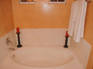 Phoenix condo photo - Master bath soaking tub