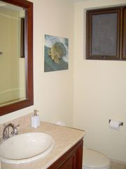 Manuel Antonio condo photo - Guest bath