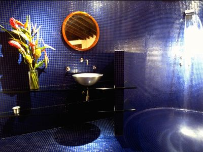 upper 'blue - bath'