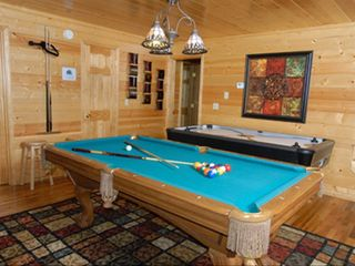 Pigeon Forge cabin photo - Game Room - Pool Table & Air Hockey, Also with Stand up Arcade Game