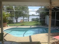 Waterfront Bay Home, Pool/Dock, 2 bd/2 Bath, 3 minute walk to the Beach!
