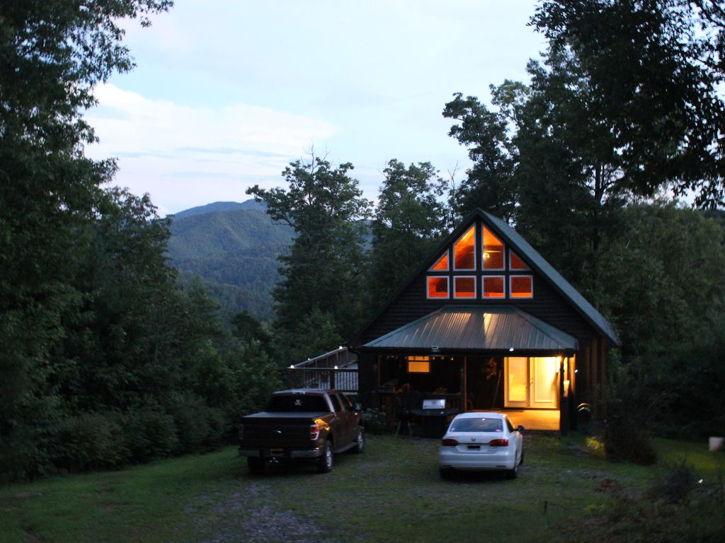 Cabin on Ridge Top, Awesome Views, Hot Tub &... - VRBO