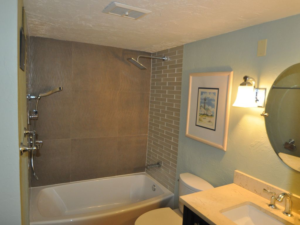 Brand new guest bath with upscale fixtures.