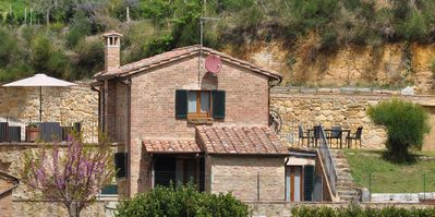 Single house in an exclusive place to spend a relaxing holiday in Tuscany
