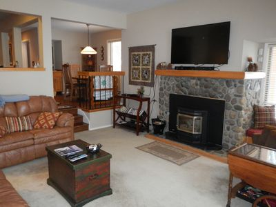 Comfy living room with leather recliners and 55' LED TV!