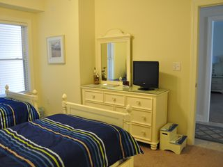 Belmont Towers Ocean City condo photo - Twin bedroom