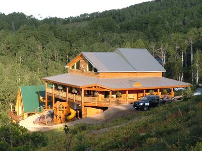 Secluded 6 BR main cabin; 2 story 3 BR Bunk House. Great views 8,000 ft. high.