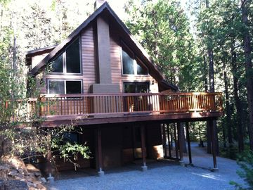 Arnold chalet rental - Antler House: Private Renovated Custom Chalet