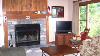 Mont Tremblant condo photo - Living Room - Fire place and 32
