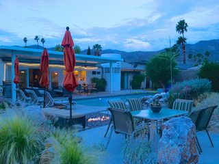 Palm Springs house photo - Suggestion: serve cocktails by the fire pit at dusk (aka happy hour)
