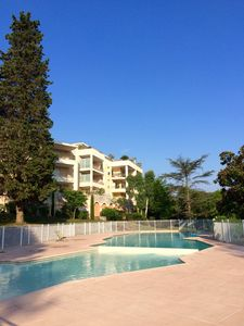 UPSCALE APARTMENT WITH POOL, TENNIS AND GOLF FOR 2-4 PERS in VALBONNE
