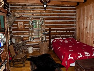 Gore Mountain lodge photo - First floor bedroom - queen sized bed. Adjoins full bathroom