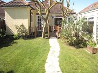 Spacious 5 bedroom Chalet Bungalow situated in Mudeford