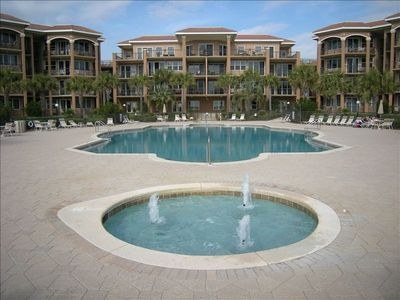 Mediterranea condo rental - Pool and Landscaping