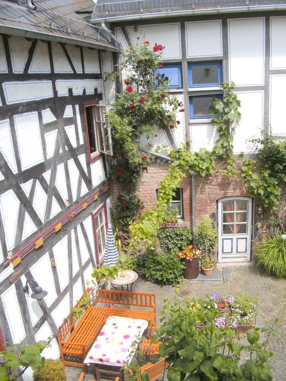 You find our Fachwerkhof in forest near local peripheral location - 3-Room-Apartment