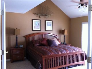 Camdenton condo photo - Master suite on main level with king size bed