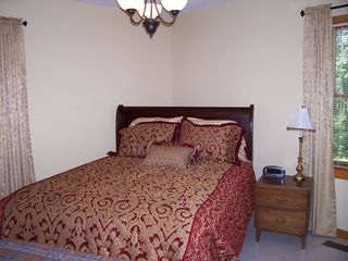 Lebanon cabin photo - Bedroom with Queen size bed