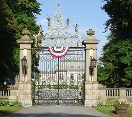 Newport house photo - Newport Mansion