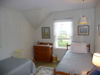 Monomoy house photo - Twin Guest Bedroom